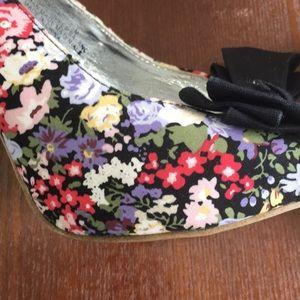 Rampage Shoes - Rampage 8.5 floral bow peep toe sling back heels